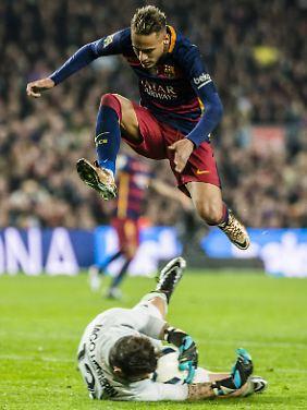 Auf den Spuren von Pep? Barcelonas Neymar gilt in England jedenfalls als heißer Kandidat auf einen Wechsel zu Man City.
