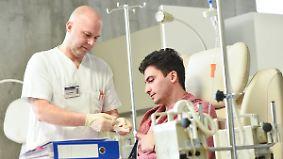 Immunmedikamente gegen Tumore: Neue Krebstherapie macht Betroffenen Hoffnung