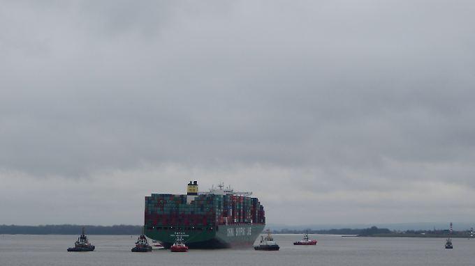 Eigentlich sollte das Schiff am Sonntag schon nach Rotterdam weiterfahren.