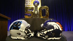 Endspiel zwischen den Denver Broncos und Carolina Panthers.