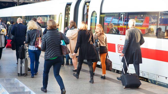 131 Millionen Menschen waren in Deutschland im vergangenen Jahr in Fernzügen unterwegs.