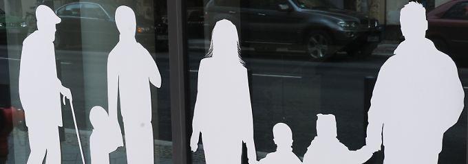 Familiennachzug für Flüchtlinge? Darüber streitet sich die Große Koalition schon lange. Im Bild eine Fensterfront des Familienministeriums in Berlin.