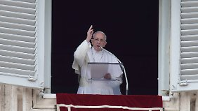 Papst Franziskus muss sich schwere Kritik anhören.