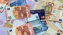Immer wieder wird über Bargeld-Obergrenzen diskutiert. Foto: Patrick Seeger