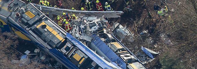 Zwei Züge prallen aufeinander: Acht Tote bei Bahnunglück in Oberbayern