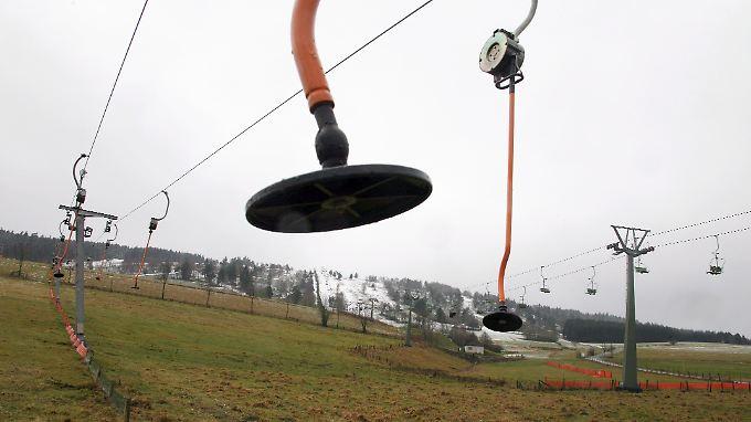 Grüne Pisten: Viele deutsche Skigebiete vor dem Aus