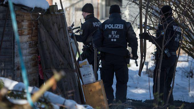 Polizisten fanden die Leiche des Studenten neben einer Gartenlaube auf dem Grundstück der Ex-Freundin in Haar (Bayern).