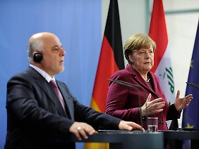 Hinsichtlich militärischer Hilfe hält sich Angela Merkel gegenüber Haider al-Abadi zurück.