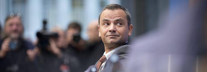 Edathy während seines Auftritts in der Bundespressekonferenz im Dezember 2014.