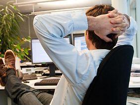 Konflikte am Arbeitsplatz sollten nicht einfach ausgesessen werden. Besser ist, Mitarbeiter suchen das offene Gespräch.