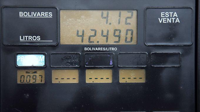 Zehn Liter Benzin für einen Bolivar? Diese Zeiten sind nun vorbei.