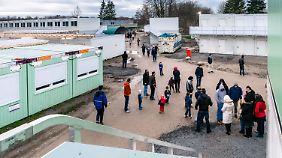 Hitzige Debatte im Bundestag: Opposition kritisiert Asylpaket II scharf