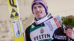 Severin Freund bejubelt das Podium in Lahti.