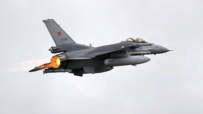 Türkischer F-16-Jet: Gefahr eines Flächenbrands