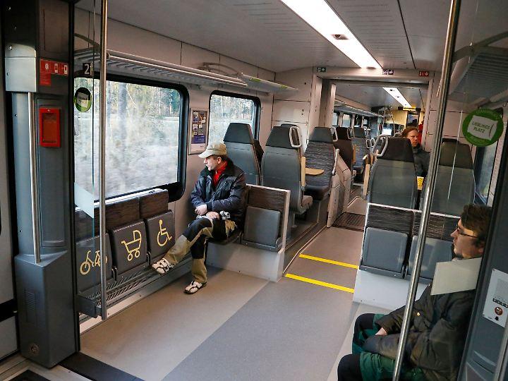 So leer ist es nicht immer - aber im Zug ist auf jeden Fall mehr Platz als im Bus.