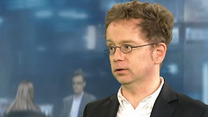 "Feuerherdt zum Eklat in Leverkusen: ""Schiedsrichter hat mutig gehandelt"""