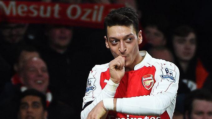 """Er ist der beste Spieler der Premier League"": Mesut Özil."
