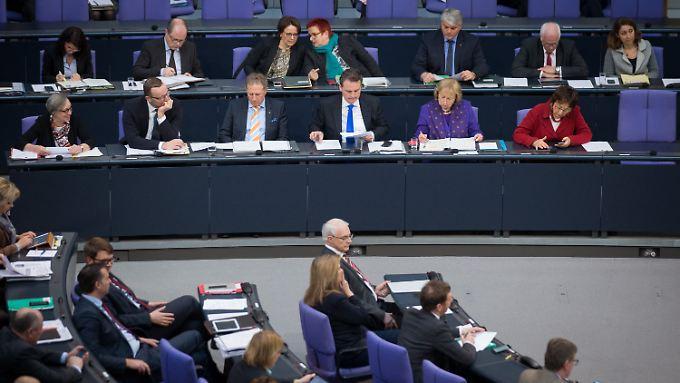 Parlamentarische Staatssekretäre vertreten im Bundestag die Bundesminister auf der Regierungsbank.