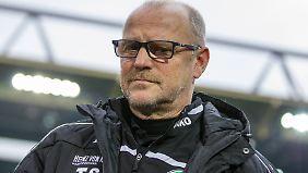 Hannovers Trainer Thomas Schaaf kann die Sperre gegen seinen Kollegen Roger Schmidt nicht nachvollziehen.