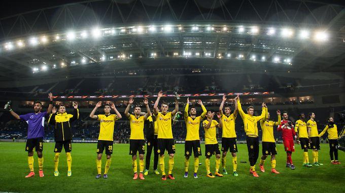 Routinierter Sieg, nächste Runde: Der BVB schreitet unspektakulär, aber ungefährdet in der Europa League voran.