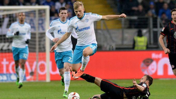 Wenig Spielkultur, viel Krampf: Frankfurt und Schalke treten auf der Stelle.