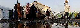 Hilfsorganisationen schlagen Alarm: In Idomeni fehlt es an Nahrung und Zelten.