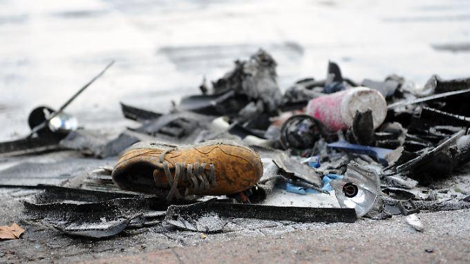 Trümmer liegen nach dem Unfall am 1. Februar auf der Tauentzienstraße.