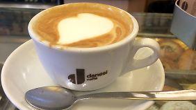 """So sieht einer der berühmtesten Kaffees Italiens in der """"Bar del Cappuccino"""" aus."""