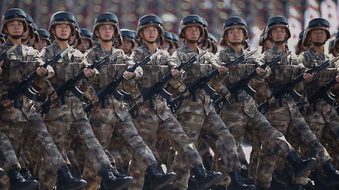China hat seine Militärausgaben in den letzten Jahren stetig erhöht - 2014 waren es 216 Milliarden US-Dollar.