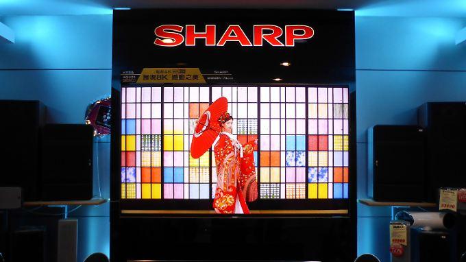 Sharp gehörte einst zu den Pionieren bei Flachbildschirmen, sinkende Preise zogen das Unternehmen in die roten Zahlen.