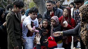 """""""Wissen, wie es ist, arm zu sein"""": Viele Griechen spenden für gestrandete Flüchtlinge"""