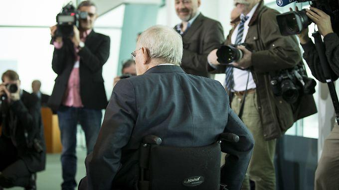 Wolfgang Schäuble zeigt den Ministern von der SPD die kalte Schulter.