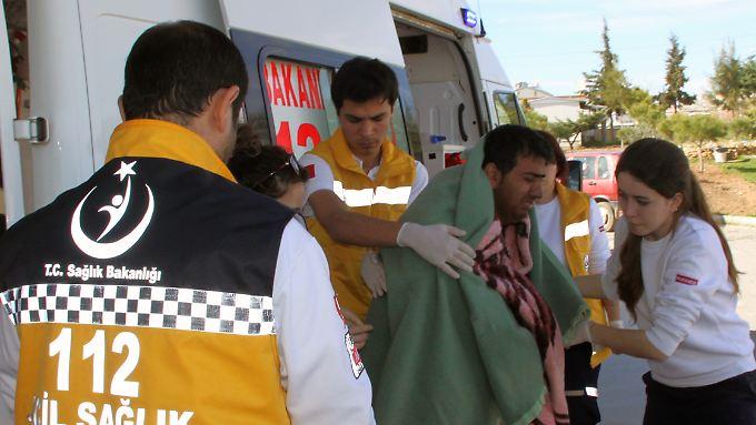 15 Menschen von dem verunglückten Boot wurden gerettet.