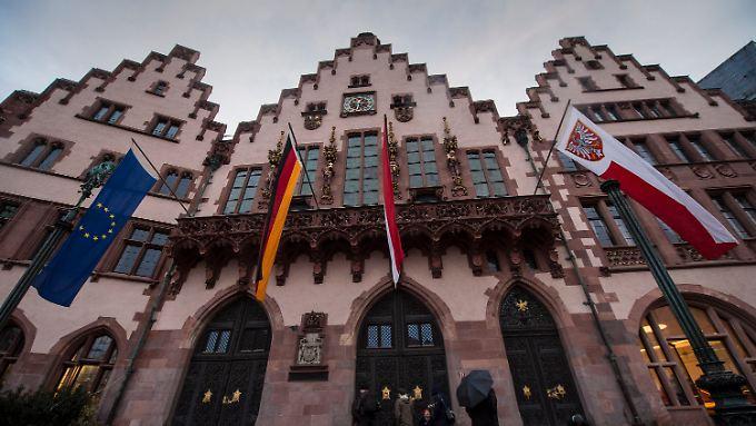 Die Zeit von Schwarz-Grün im Frankfurter Römer ist offenbar zu Ende. Außerdem sitzt nun die AfD in der Stadtverordnetenversammlung.