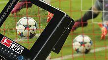 Genau hingeschaut: Fußball-Videobeweis feiert Länderspieldebüt
