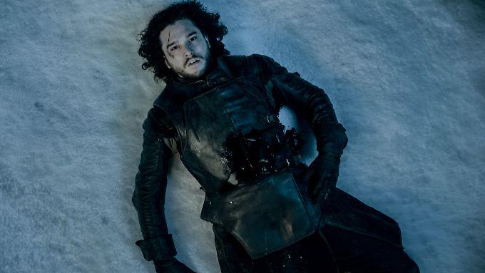 """Am Ende der fünften Staffel wurde Jon Snow blutend dem Tod überlassen. Kehrt er nun zu """"Game of Thrones"""" zurück?"""