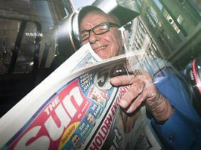 """Die tägliche """"Sun""""-Lektüre gehört zu Murdochs Pflichtprogramm."""