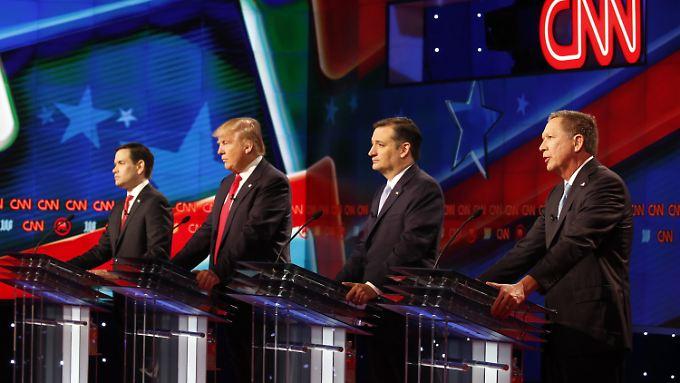 Wie auf diesem Bild sind Rubio (l.) und Kasich (r.) Außenseiter im Vorwahlkampf.