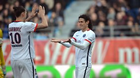 Beim 9:0 Sieg trifft Zlatan Ibrahimovic (l) gleich viermal, Edison Cavani (r) zweimal.