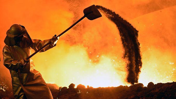 Heißes Eisen: Brüssel will Stahlkocher, wie hier bei Salzgitter, mit Anti-Dumping-Zöllen schützen.