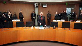 Steinmeier wird vor dem Ausschuss vernommen.