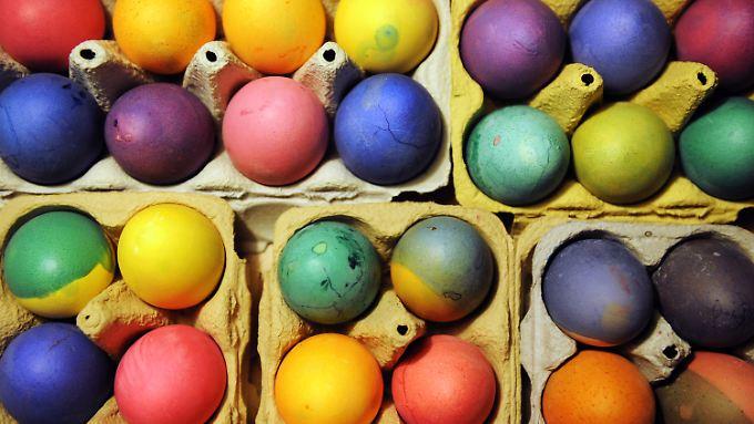 Eierfarben sind unproblematisch - nur aus China sollten sie nicht unbedingt kommen, meint Ernährungsmediziner Koletzko.