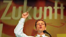 Seit den achtziger Jahren gehörte der im nordrhein-westfälischen Bad Honnef geborene Westerwelle zu einer der prägendsten Figuren bundesdeutschen Politik.