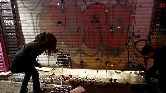 Der Selbstmordattentäter sprengte sich in einer beliebten Einkaufsmeile von Istanbul in die Luft.