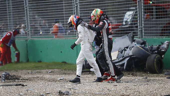 Alonso muss einen großen Schutzengel gehabt haben. Der Spanier führte seinen Auffahrunfall darauf zurück, vermutlich den richtigen Bremspunkt verpasst zu haben.