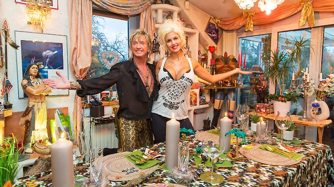 Wimmelbild: Wo verstecken sich Sophia Wollersheim und ihr Göttergatte Bert nur zwischen all dem Tand?