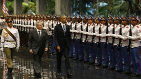 Obama war zuvor mit militärischen Ehren von Castro empfangen worden.