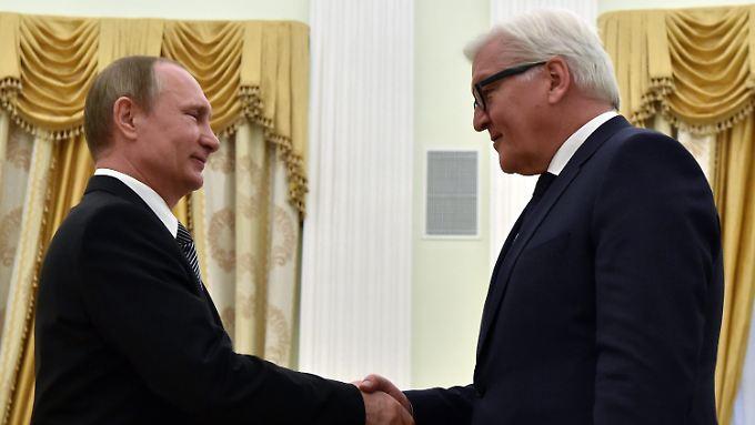 """""""Unser Treffen findet vor dem Hintergrund der fürchterlichen, tragischen Ereignisse in Belgien statt"""", sagte Putin im Kreml zu Steinmeier."""