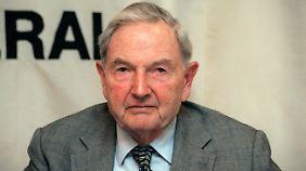 """Exxon wittert """"Verschwörung"""": Rockefeller zieht sich aus Ölgeschäft zurück"""