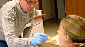 Auf der Suche nach der Mutter des getöteten Babys wurden 2010 und 2011 massenweise Speichelproben genommen.